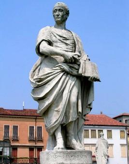 Tito Livio statua Prato della Valle Padova Patavium romana